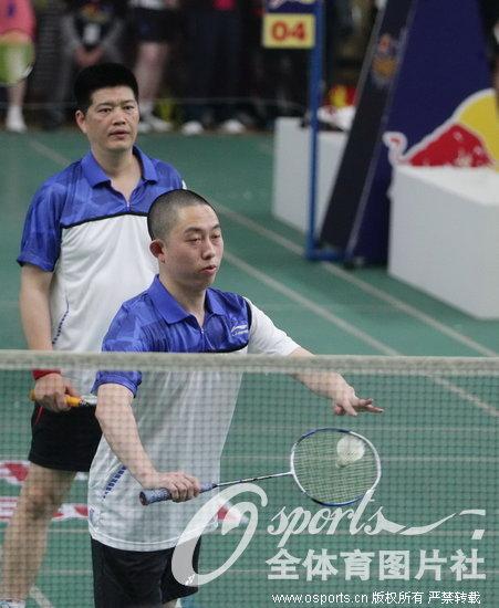 高清 城市羽球赛 羽球美女王琳与灵隐禅寺僧人同台竞技