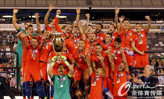 百年美洲杯-梅西点球大战射飞 智利4-2成功卫冕