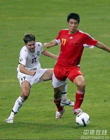 ...亚洲杯c组最后一轮,中国队0-3负于乌兹别克斯坦队,被淘汰出局... (18)