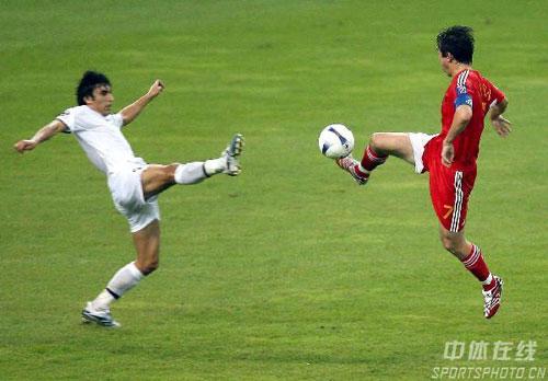 ...亚洲杯小组赛最后一场与乌兹别克斯坦的出线生死战.比赛重要... (24)