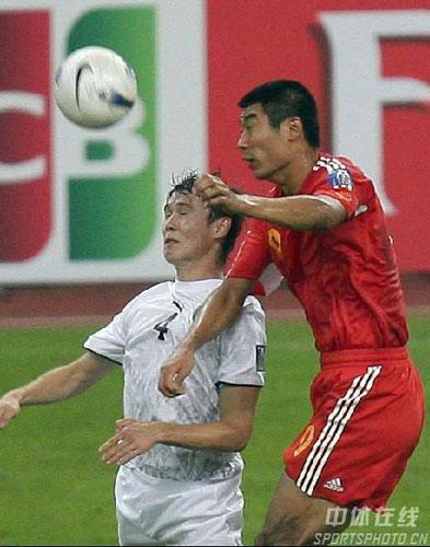 亚洲杯小组未出线 中国队0 3乌兹别克 4  (31)