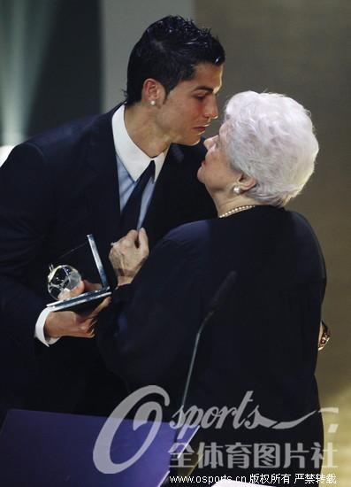 梅西/2009年12月22日,国际足联2009年度颁奖大典在苏黎世歌剧院...