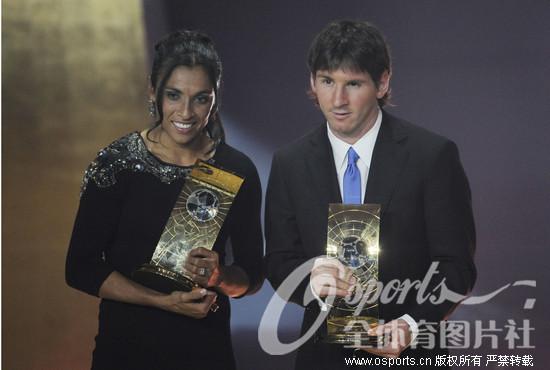 梅西/2009年世界足球先生揭晓梅西(右)完胜C罗荣膺大满贯。巴西...